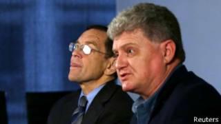 Лон Сноуден (справа) и Брюс Фейн