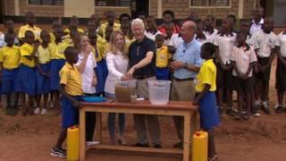 克林頓巡遊非洲