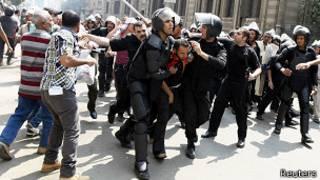 Разгон демонстрации сторонников Мурси