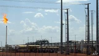 乍得南方的石油開採設施(2007年)