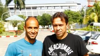 Junior (esq) e Tercio, do Kanbawza Football Club (Foto: Solly Boussidan)