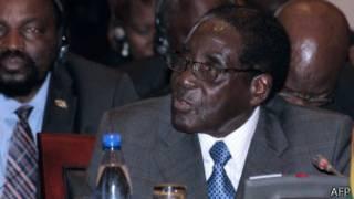 Robert Mugabe wa Zimbabwe akwije imyaka mirongo icenda n'umwe