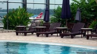 Piscina no aeroporto de Changi, em Cingapura (Foto: Wikimedia Commons)