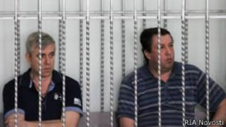 Василий Крутько и Виктр Жданов в клетке