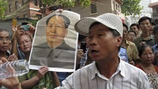 Сторонники Бо Силая у здания суда