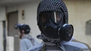 Сирийский активист в маске