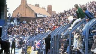 1985年伯明翰和利兹队比赛期间爆发球迷骚乱