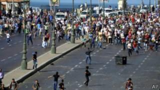 Plusieurs dizaines de milliers de manifestants ont encore manifesté vendredi en faveur du président destitué Mohamed Morsi