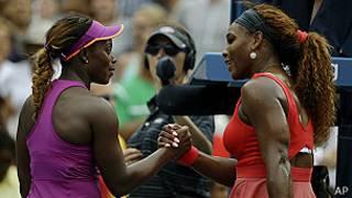 Sloane Stephens felicita a Serena Williams