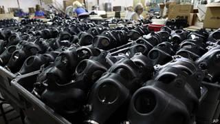 Fábrica de máscaras de gas en Kiryat Gat, Israel