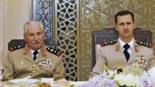 Rais Assad (kulia) na waziri wa ulinzi Jenerali Ali Habib