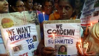 भारतीय लेखिका सुष्मिता बैनर्जी की हत्या के विरोध में कोलकाता में प्रदर्शन