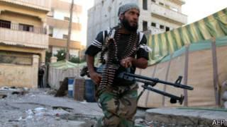 Mpiganaji wa Syria katika mji wa Deir Ezzor, mashariki mwa nchi