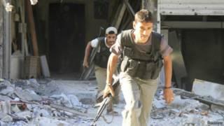 Rebelde sírio procura refúgio em Damasco (Reuters)