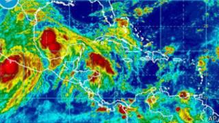 Шторм и ураган в Мексике