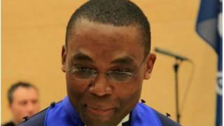 Un juge de la CPI