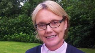 Пэт Стори, первая женщина, посвященная в сан епископа в Британии и Ирландии