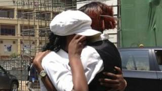 Pengunjung mal di Nairobi