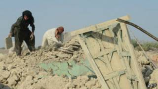 Разбор завалов после землетрясения в Пакистане