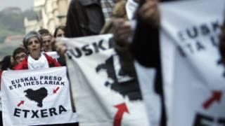 Manifestación organizada por Herrira