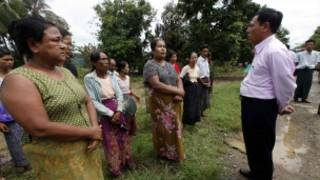 Rakhine State Chief Minister meets villagers in Shwe Hlay