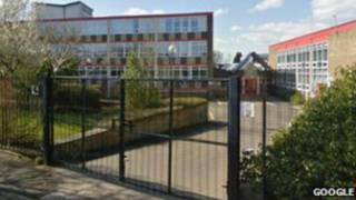 Католическая школа Маунт Кармел в городе Аккрингтон, графство Ланкашир