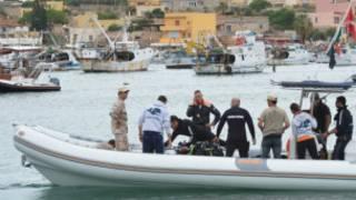 Masu aikin ceto a Lampedusa