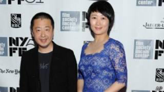賈樟柯(左)與妻子趙濤(《天注定》主演之一)在紐約電影節上