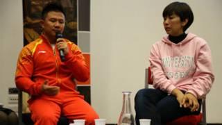陈一冰(左)与杨阳在埃塞克斯大学的讲座深受中外学生欢迎