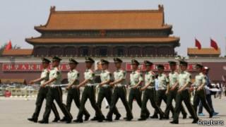 天安门前的中国警察