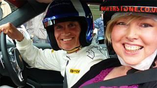 Helen Fawkes e David Couthard em Silverstone (Foto: Helen Fawkes)