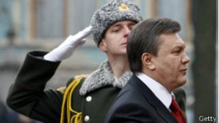 Янукович об армии
