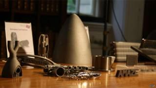 Peças de metal impressas em 3D. Crédito: ESA