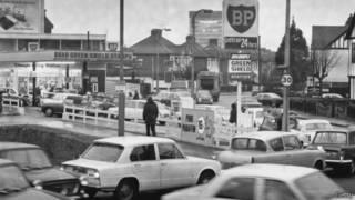 Очереди на бензоколонке в Британии в 1973 году