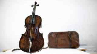 آلة الكمان