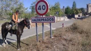 Jesús Jiménez, el joven español que está emigrando a Alemania a caballo