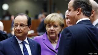 François Hollande, Angela Merkel e David Cameron em Bruxelas. Foto: Reuters