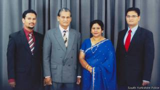 Thavisha Lakindu Peiris with his parents and brother