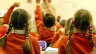 Дети на уроке в британской школе