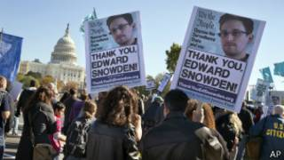 Сторонники Сноудена