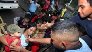 'Yan Philippines na gujewa mahaukaciyar guguwa