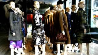 今冬時尚舞台,是中性風與女人味的二元世界