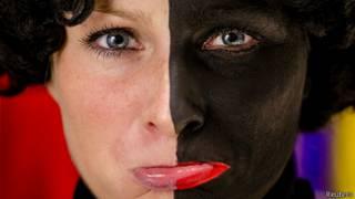Mujer maquillada de Zwarte Piet