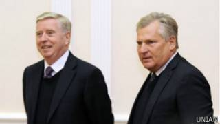 Олександр Квасневський і Пет Кокс