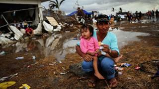 mazaunan Tacloban na kokarin ficewa