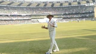 मुंबई के वानखेड़े स्टेडियम में सचिन तेंदुलकर