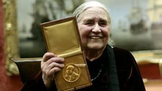 Doris Lessing na tuzo ya Nobel mwaka wa 2007