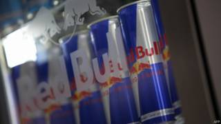 Geladeira com bebida energética (foto: AFP)
