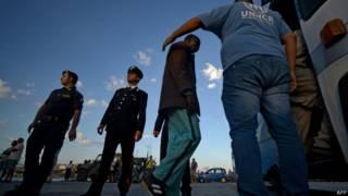 Imigrante resgatado em Lampedusa