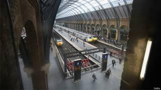 Trens na estação de King's Cross em Londres (Arquivo/Getty)